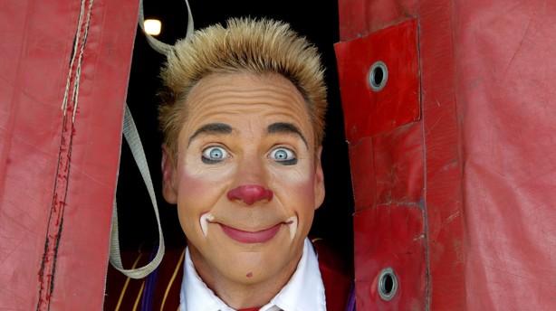 Cirkus Benneweis tr�kker teltpl�kken og dropper 2016
