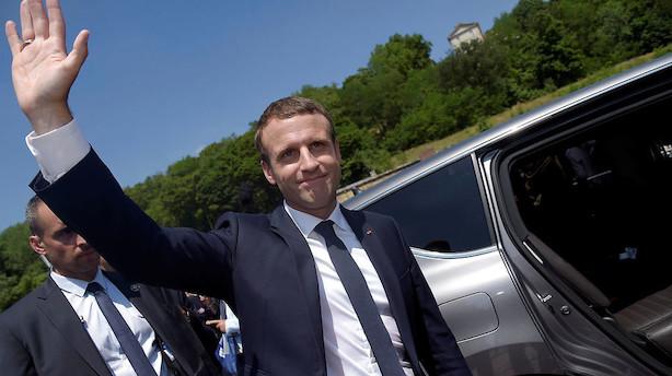 Målinger giver Macrons parti flertal i Frankrig