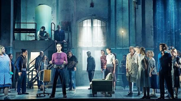 """Gumpetung og moraliserende """"Sweeney Todd"""" i Operaen"""