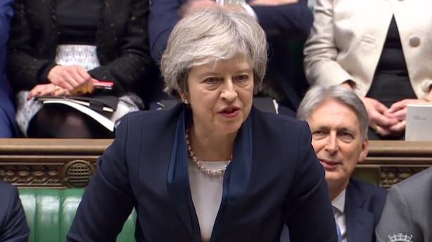 May lider største nederlag nogensinde - Underhuset afviser udtrædelsesaftale for brexit