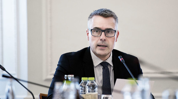 Henrik Sass er tavs efter Dong-kritik fra Nyrup