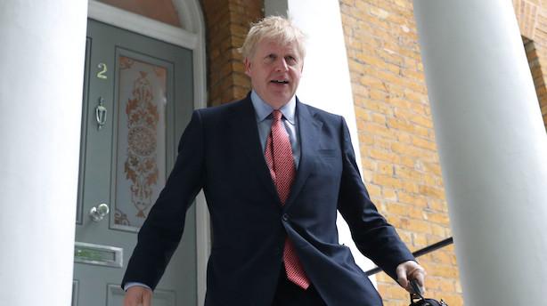 Michael Gove og Jeremy Hunt overlever afstemning i lederopgør: Kæmper om at udfordre Boris Johnson