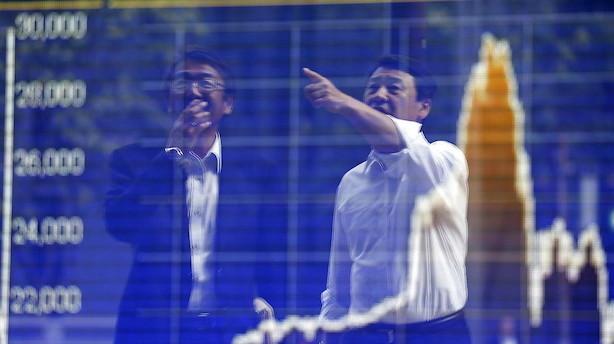 Aktier: Blandet udvikling med plus i Tokyo og minus i Shanghai