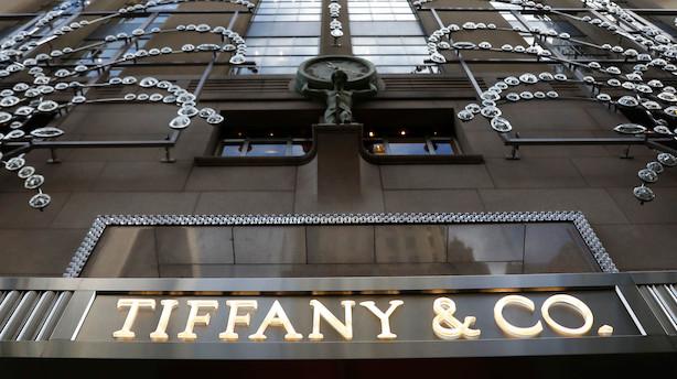 Tiffany nedpræciserer forventningerne og falder i formarkedet