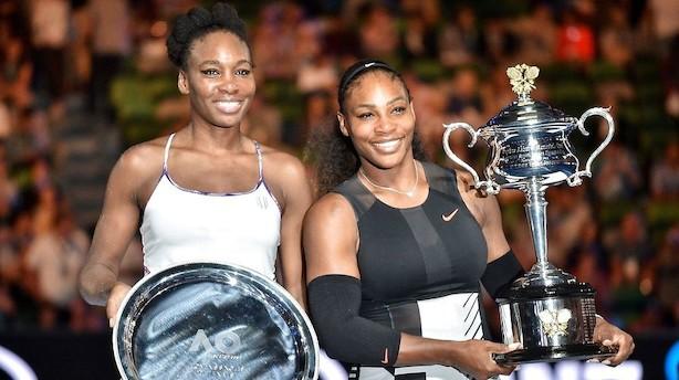Serena Williams slår søster og sætter grand slam-rekord