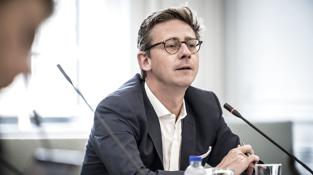 Røde partier forlader bordet: Sammenbrud i forhandlinger om elbiler og grøn transport