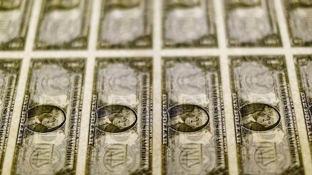 Dollar på glatis efter afdæmpede meldinger fra Fed-chefer om renteudsigter