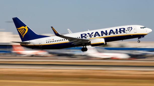 Ryanairs overskud skrumper trods flere rejsende