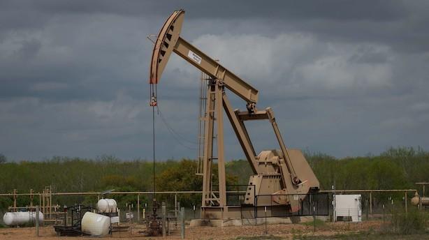 Olieanalytiker: Hvis Saudi-Arabiens produktion fortsat er skruet ned, vil olieprisen bevæge sig op med mellem 10 og 20 dollar – måske mere