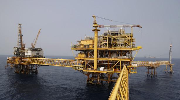 Historisk lav oliepris bidrager til dansk vækst