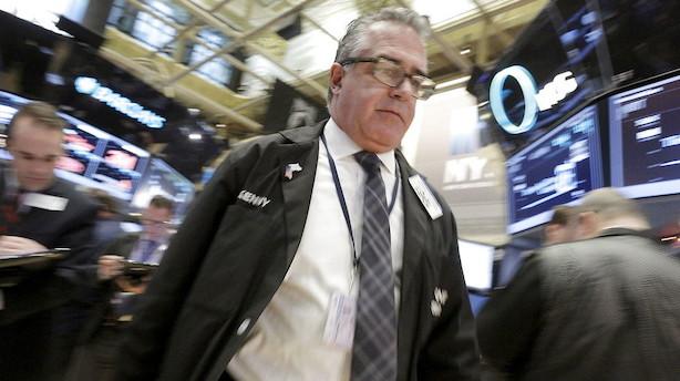 Aktier: Comeback til aktier og dollar mens guldet føler smerten i USA
