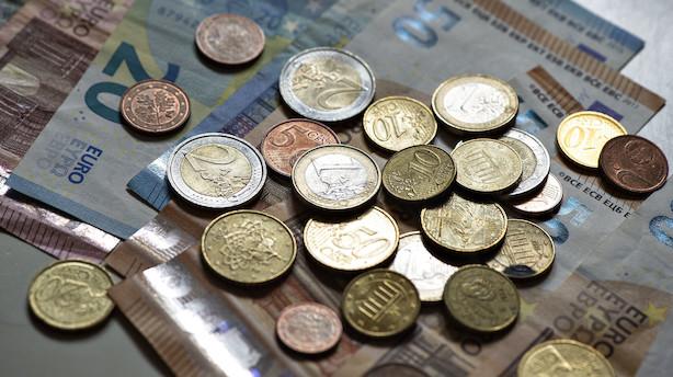 Euro falder til laveste niveau over for dollar siden 2017