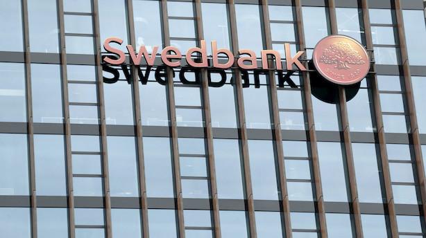 Svensk bank stopper styrtblødning efter mulig hvidvasksag