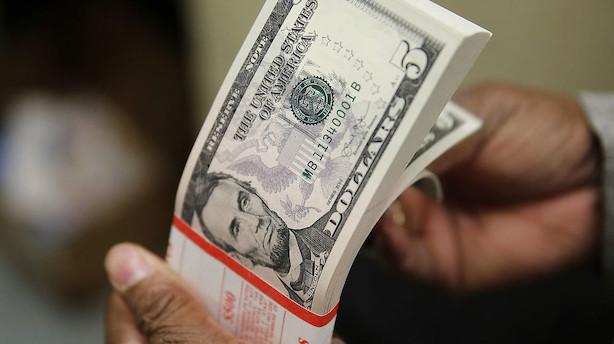 Valuta: Dollar svæver omkring 11-ugers lavpunkt