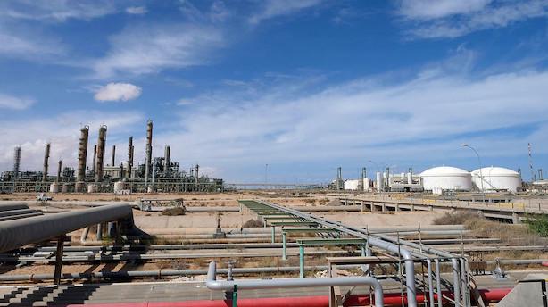 Libyske havne blokeret af oprørsleder - mere end halvdelen af olieeksporten er væk
