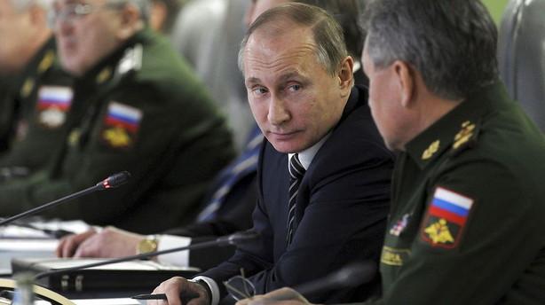 Putin: Rusland begynder tilbagetrækning fra Syrien tirsdag