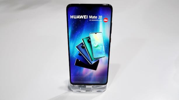 Huawei vil være nummer ét: Ny smartphone kan oplade andre telefoner