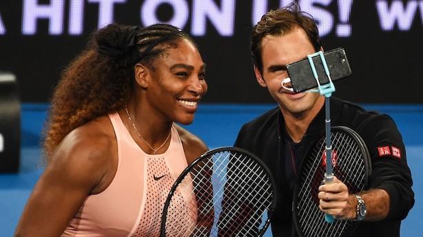 Federer slår Williams i stjernespækket mixeddouble