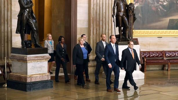 USA indleder formelt tredje rigsretssag i historien