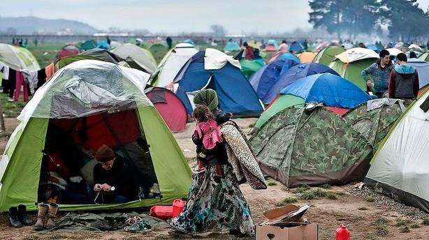 Græsk minister forlanger gang i omfordeling af flygtninge