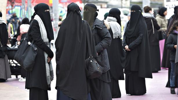 Efter burkaforbud: Dansk Folkeparti retter fokus mod skolepigers tørklæde