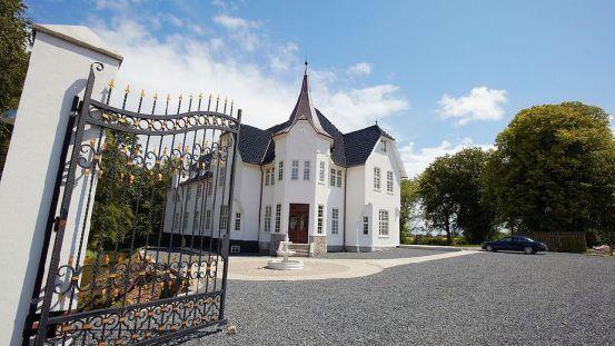 Hemmeligt dansk slot sat til salg for 22,5 mio. kr.