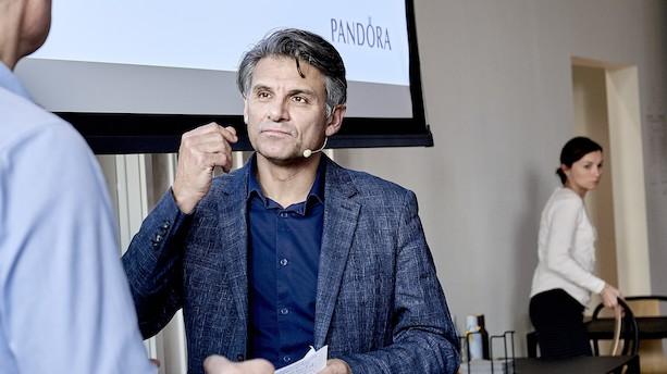 """Pandora-direktør om faldende salg og stillestående omsætning: """"Vi er blevet svage til at få kunderne til at købe charms"""""""