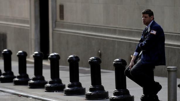 Minimale bevægelser i ferieramt marked på Wall Street