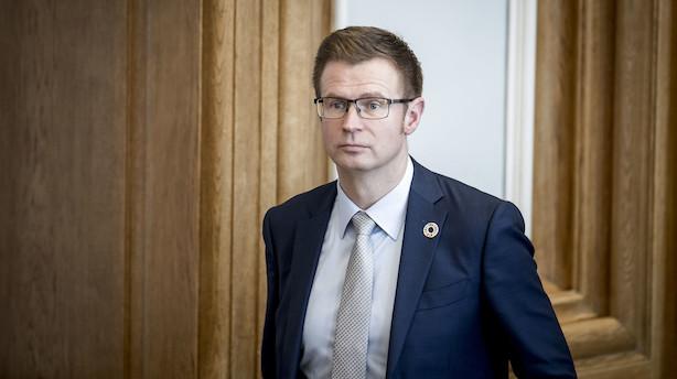 Minister: Bilister og togrejsende kan betale Kattegatbro