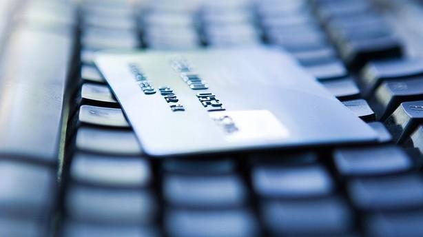 Accenture: Bankerne skal i tænkeboks - ellers dør de