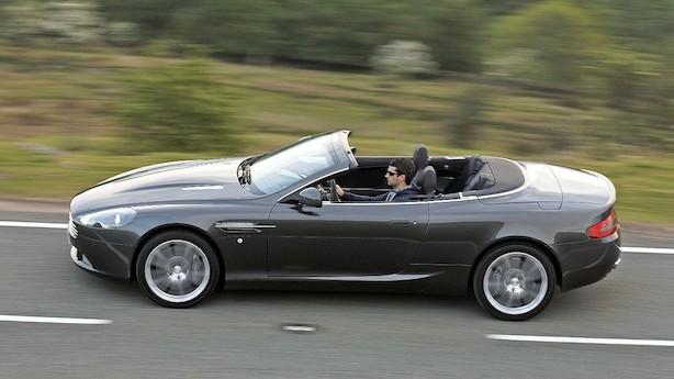 Aston Martin-bruger frikendt: Skal ikke betale firmabilskat af bil, der er afmeldt