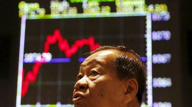 Aktier: Handelsmeldinger sendte aktieindeks i svingninger i Asien