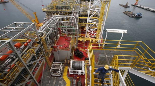 Aktier: Oliepapirer på toppen af grøn kransekage i Europa