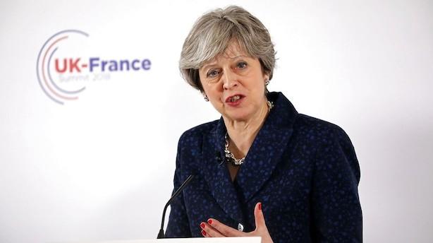 Mens du sov: May nægter at svare på, om hun vil stemme briterne ud af EU i dag