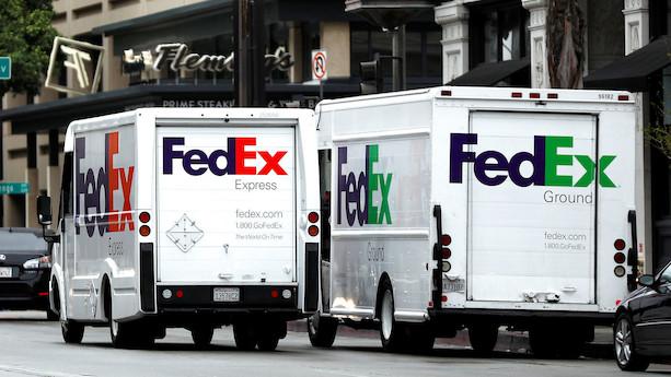 Aktier i USA: Pakkegigant sendes op inden regnskab - skokæde hamres ned