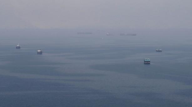 Britisk regering advarer skibe mod at sejle nær Iran