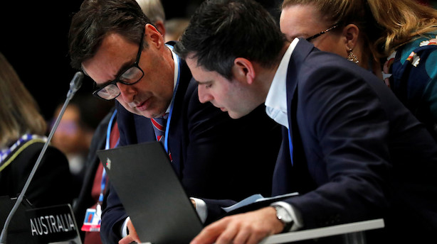 Klimamøde i Madrid kører på overtid: Forhandlerne har været i gang hele natten
