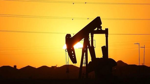 Råvarer: Negativ oliespiral drejer fortsat