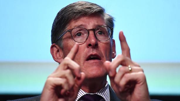 """Bankchef vil erstatte """"titusindvis"""" af ansatte med robotter"""