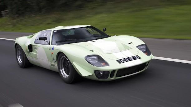 """""""En time bag rattet af Le Mans-vinderen Ford GT40 er lige så anstrengende som at være en time i fittnesscenter"""""""