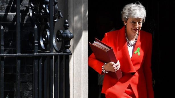 Theresa May afviser krav fra konservative: Nægter at sætte dato på sin afgang