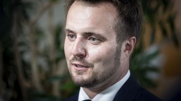 """Erhvervsminister lover indgreb mod gebyrer - Nets-chef advarer mod """"hævntørst"""""""