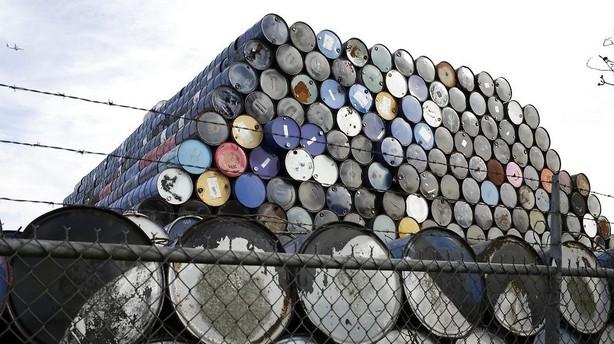 Råvarer: Dollarsvækkelse sender råvarepriserne mod nye højder