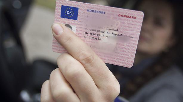 Nu bliver dit kørekort til en app: Regeringen vil gøre ID-beviser digitale