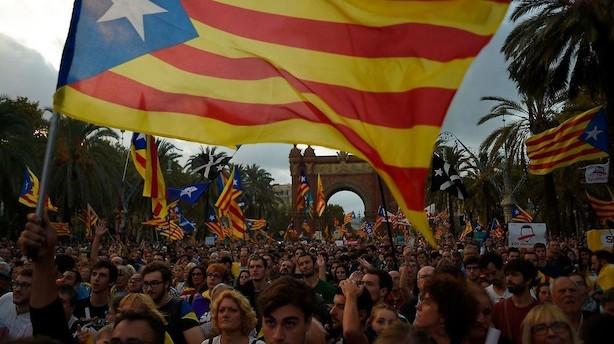 Mens du sov: Spansk regering giver Catalonien ny frist