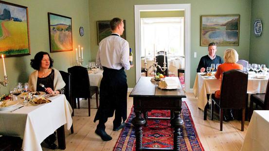 Madanmeldelse af Broholm Slot fra pleasure.borsen.dk