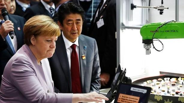 Merkel: Erdogan må stoppe nazisammenligninger