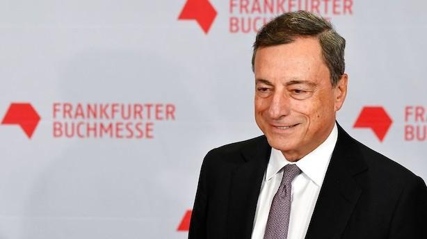 ECB overvejer at forlænge og halvere obligationsopkøb næste år