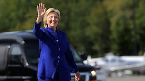 Tager Clinton buksedragten p� igen i nat?