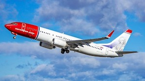Flyanmeldelse: I fuld galop til Norwegians iskolde kabine